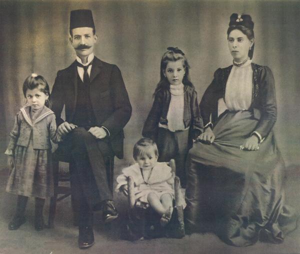1906-capelouto-family