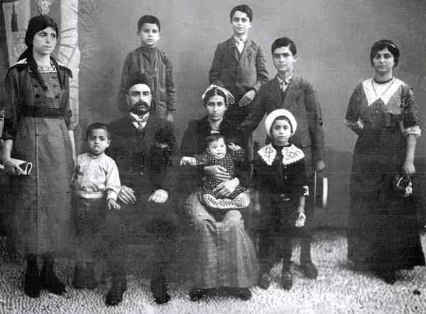 1917-amato-family