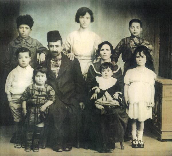 1922-hazan-family